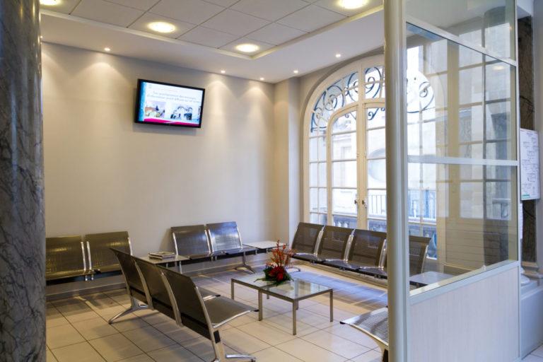 8 clinique victor hugo paris accueil salle d'attente